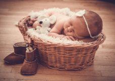 Baby im Korb - Urlaub in Seefeld