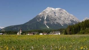 Herrliche Aussicht auf die Alpen Tirols